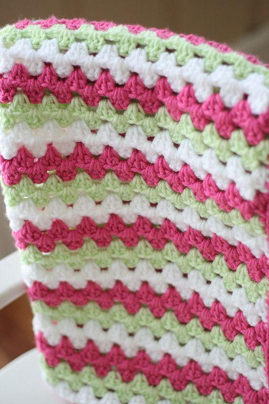 Free Crochet Pattern {Granny Stripe Blanket Tutorial | Manta ...