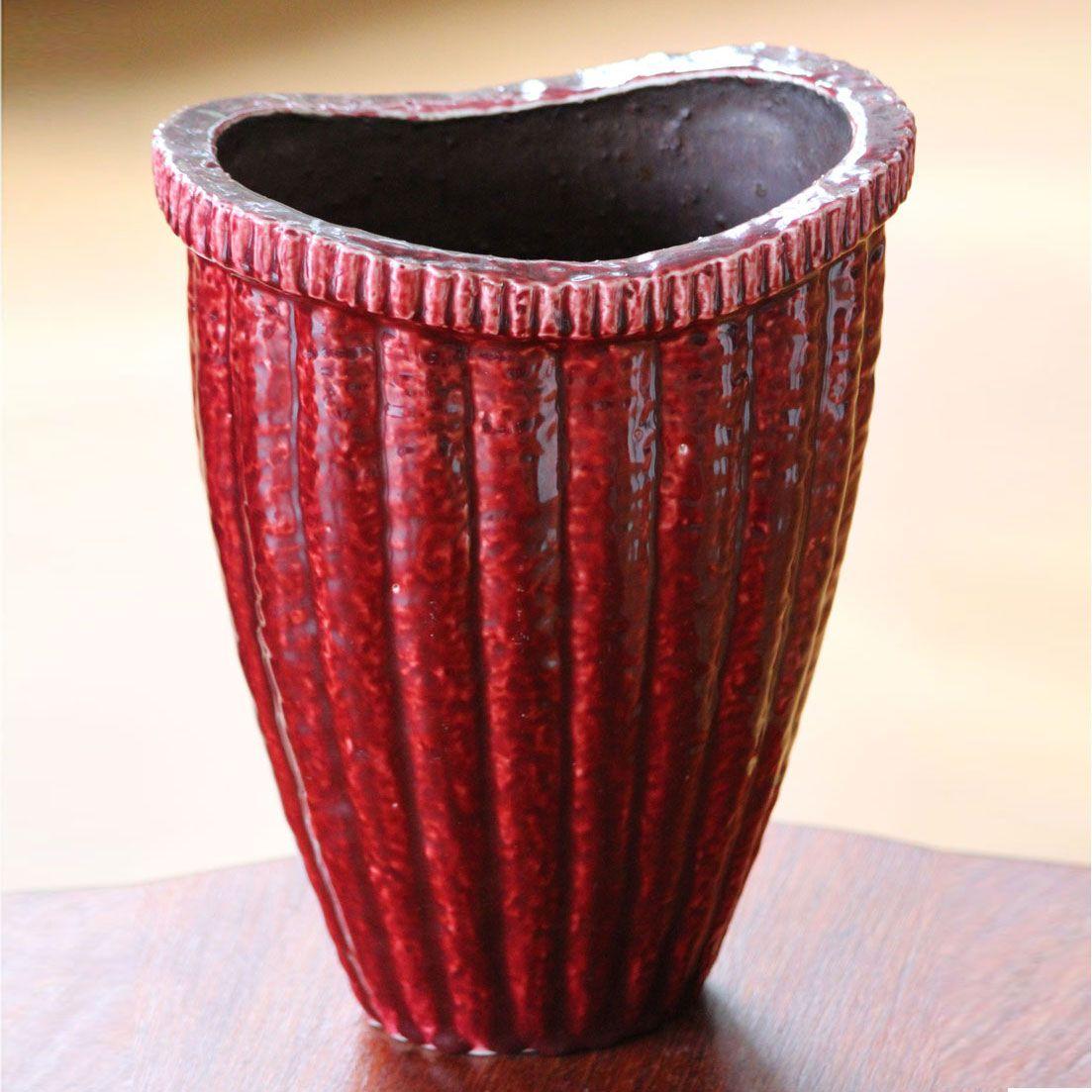 Gunnar Nylund, Rorstrand. Art Deco Chamotte Vase