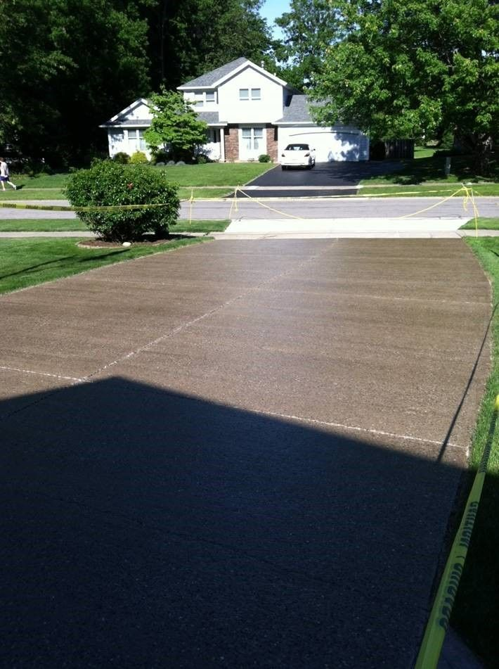 Wet Look Concrete Driveway Sealer Foundation Armor Ar350 Concrete Sealer Was Used On This C Concrete Driveways Concrete Driveway Sealer Stamped Concrete Patio
