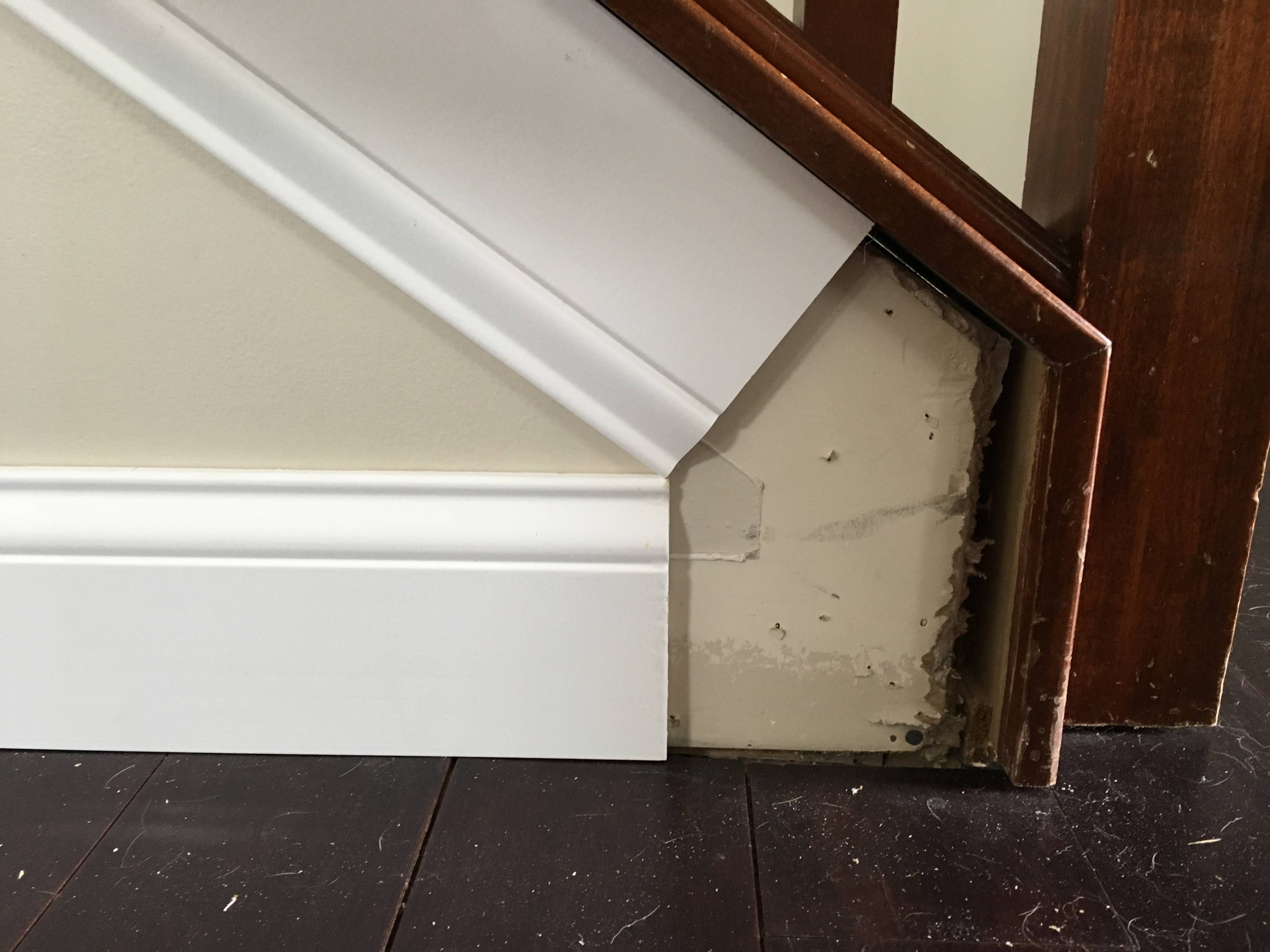 How Do I Find The Angles For Baseboard On An Outside Stair Stringer Home Improvement Stack Exchange Outside Stairs Stairs Trim Moldings And Trim