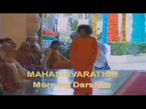 Prepararandose para Maha Shivaratri .Clip de Mahashivratri 2002_Sathya S...