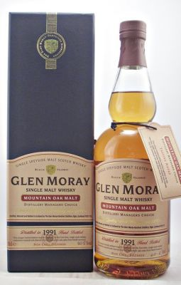 Glen Moray 1991 Mountain Oak  60.5% 70cl  A rare discontinued bottling of Glen Moray Single Malt Scotch Whisky.  Distillery Managers Choice. Natural Cask Strength.  Date Cask Filled  15/03/91 Date Bottled            3/12/03  Bottle Number 553 of 800 and Signed by the Distillery Manager E D Dodso