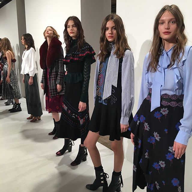 Freshest faces @tanyataylor #frontrow #nyfw  via MODERN LUXURY MAGAZINE OFFICIAL INSTAGRAM - Luxury  Lifestyle  Culture  Travel  Tech  Gadgets  Jewelry  Cars  Gaming  Entertainment  Fitness