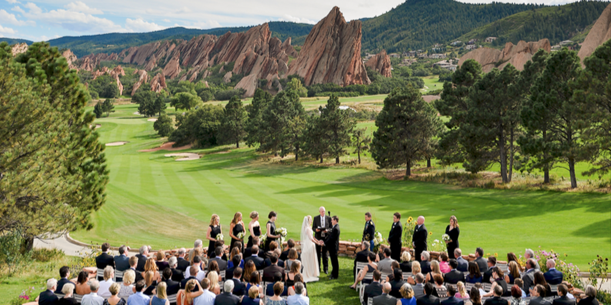 Arrowhead Golf Club Weddings Price Out And Compare Wedding Costs For Wedding Ceremony And Recept Golf Course Wedding Golf Courses Arrowhead Golf Club Wedding