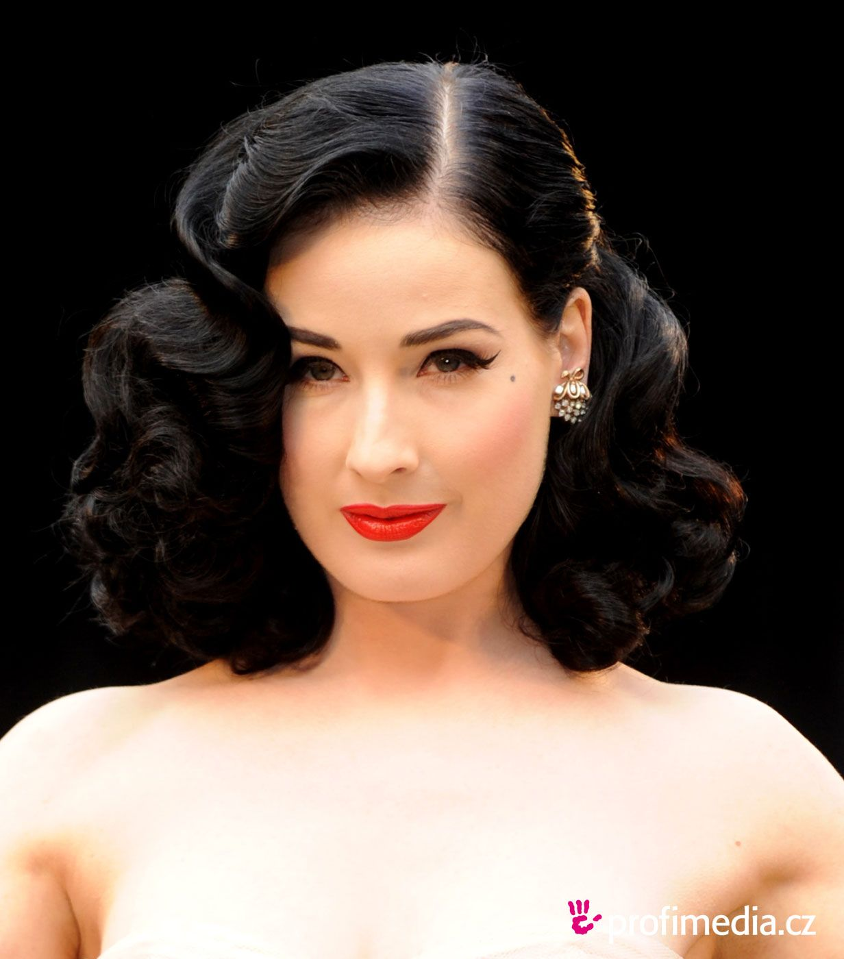 dita von teese best roller sets by far! | tress relief