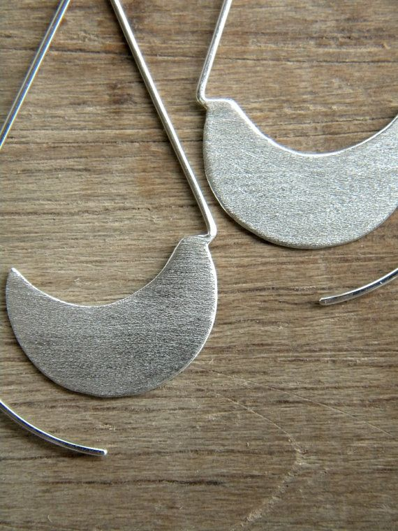 I decided to revamp an old favorite here in the house of alibli... here you have the Long Urban Hoops!   These earrings are hancrafted from sterling