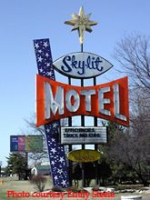 Skylit Motel Green Bay Wi Travel Wisconsin Usa Multicityworldtravel Com We Cover The World Over  Languages And 120 Currencies El And