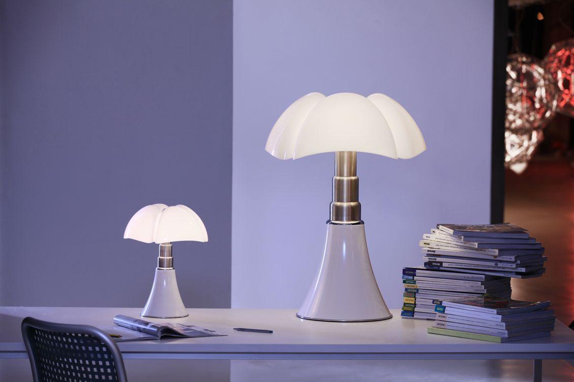 Lampe De Table Minipipistrello Martinelli Luce Valente Design En 2020 Lampes De Table Sans Fil Lampes De Table Deco Maison