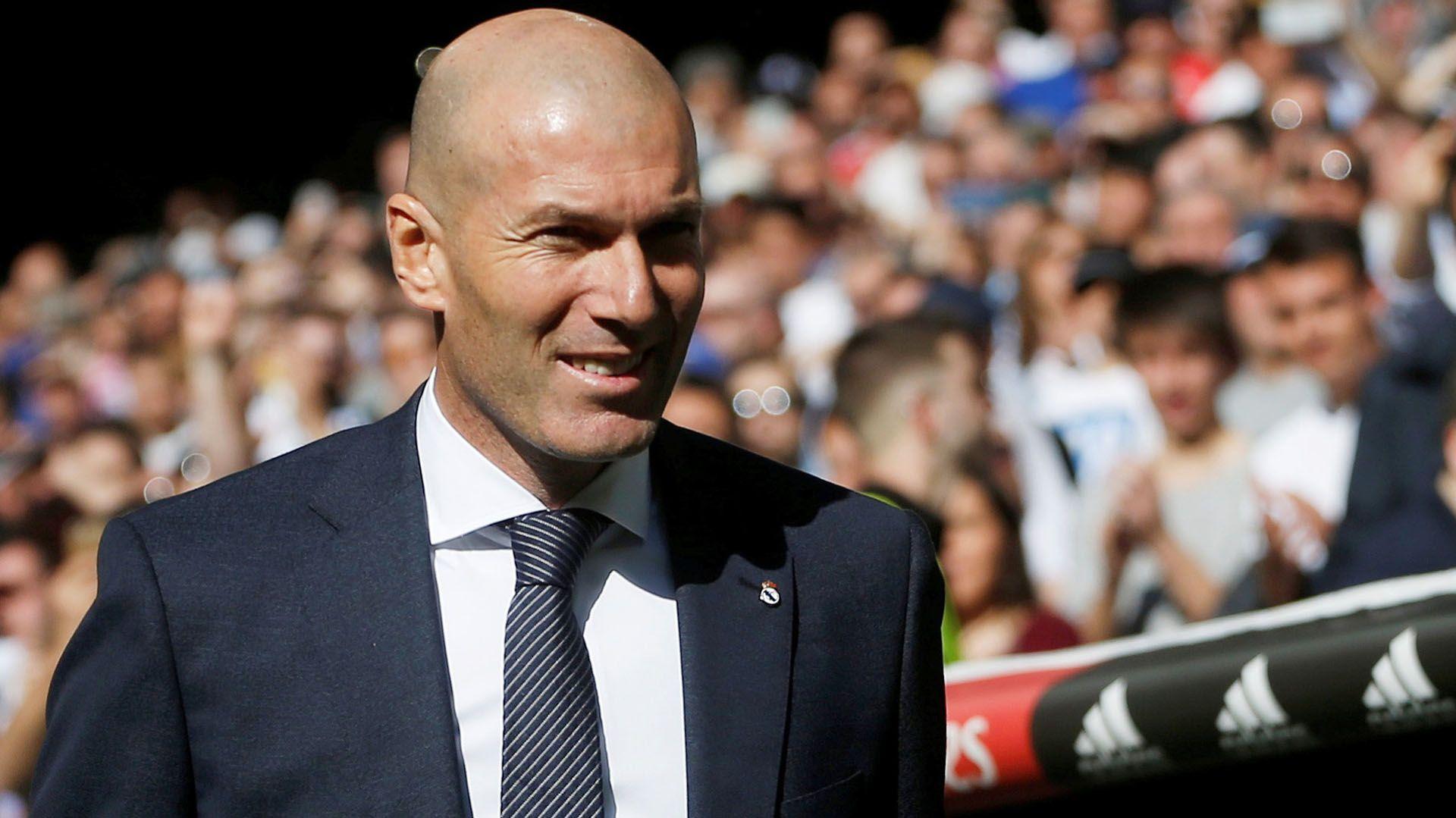 Zinedine Zidane Reveló A Qué Estrella Mundial Traería Para El Real Madrid Zinedine Zidane Real Madrid Zidane