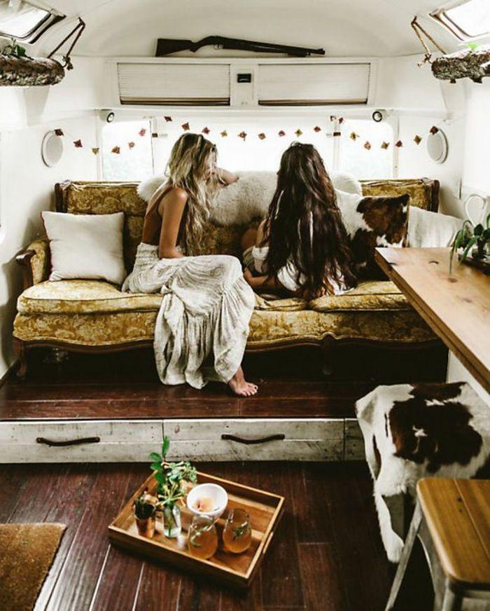1001 bonnes raisons pour vivre en caravane mobile lifestyle. Black Bedroom Furniture Sets. Home Design Ideas