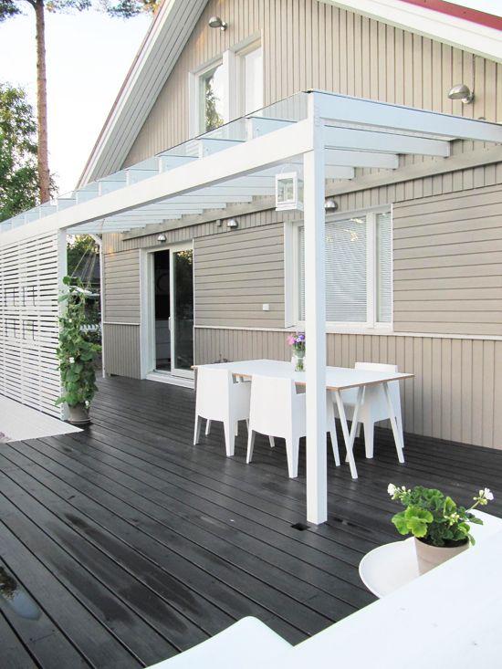 holzterrasse mit pergola und sichtschutz terrassen berdachung und sommergarten pinterest. Black Bedroom Furniture Sets. Home Design Ideas