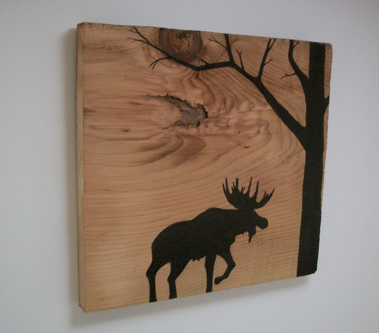Moose silhouette in forest on reclaimed 1900 39 s barn wood for Decoracion casas 1900