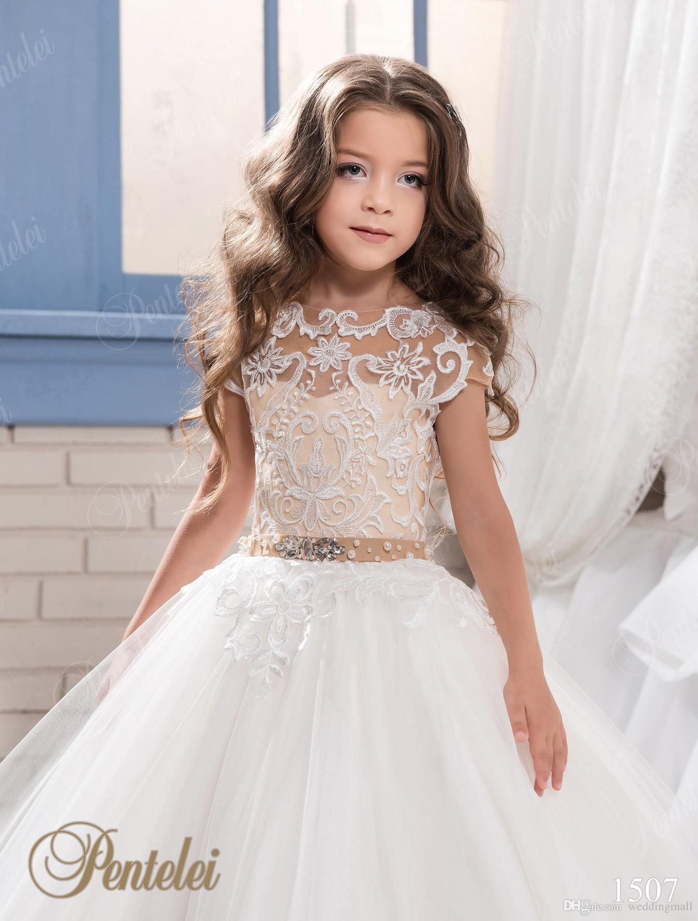 a8b5c838d5c Princess Lace Ball Gown Arabic 2017 Flower Girl Dresses Vintage Tulle Child  Dresses Beautiful Flower Girl Wedding Dresses F064