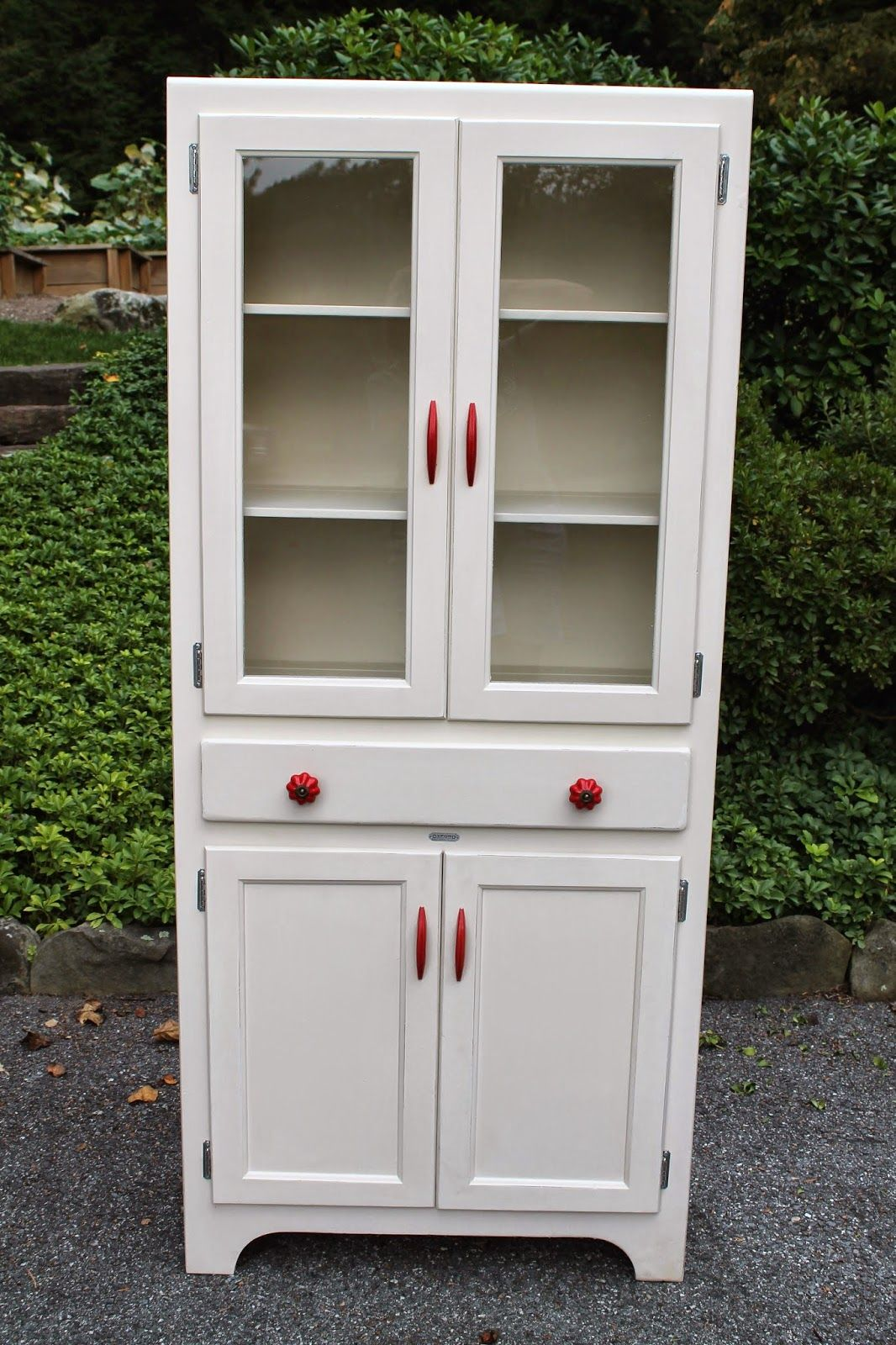 mesmerizing red white kitchen cabinets | Elizabeth & Co.: Classic Red & White Cabinet | Vintage ...