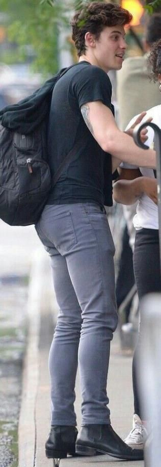 Shawn Mendes tight jeans nice rear view