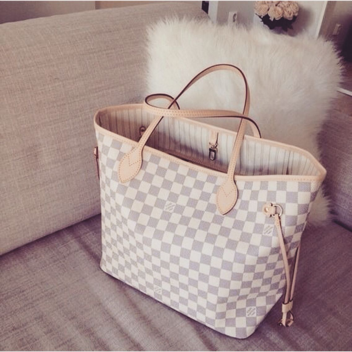 Louis Neverfull Mm With White Checkered Beige Inside Of Brown Red