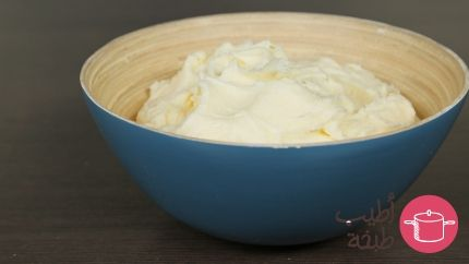 كريمة الزبدة للكيك Recipe Desserts Arabic Sweets Home Baking