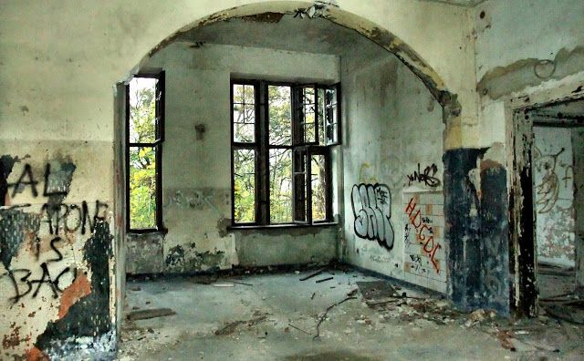 arcanum. iPhoneography and stuff.: Lost Places - The Ghost Hotel