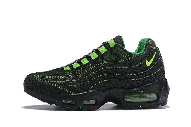 official photos 9e250 bddc2 Nike Air Max Plus TXT Tn KPU Diablo Red Black White 604133 101 Mens Running  Shoes   Nike Air Max Tn Running Shoes in 2019   Nike air max tn, ...