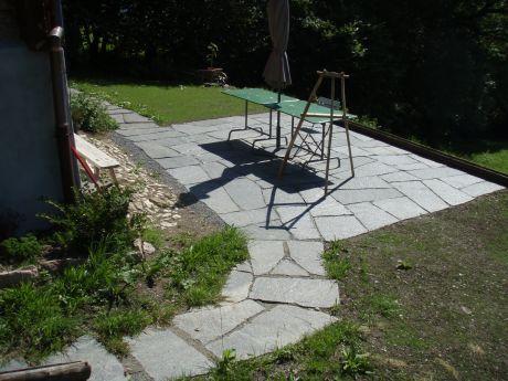 Dalles pierre naturelle irrégulières sans joint \u003e\u003e côté rustique - Dalle Pour Parking Exterieur