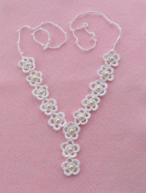 Crochet Necklace and Earrings Set - White Daisies   Pinterest ...