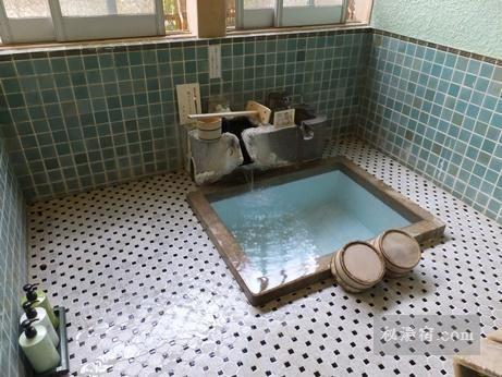 向瀧 貸切風呂8 トイレのデザイン お風呂 レトロなバスルーム