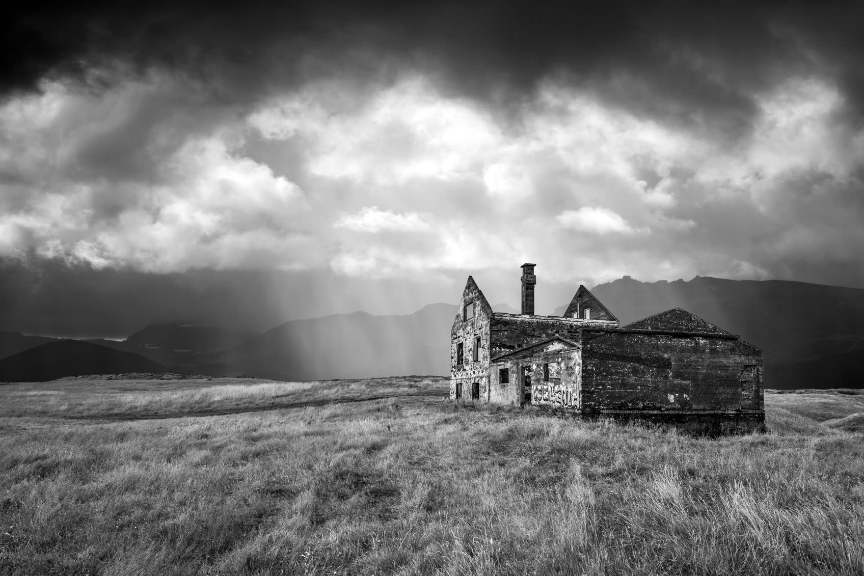Transform Daytime Photos Into Black & White Masterpieces in 5 Easy Steps