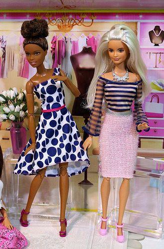 In the Pink Dressing Room | Dolls dolls dolls... | Pinterest | Puppen