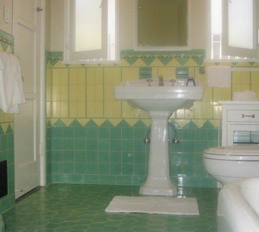 Beautiful Yellow And Mint Green Vintage Tile Bathroom From The 1930 S Pic