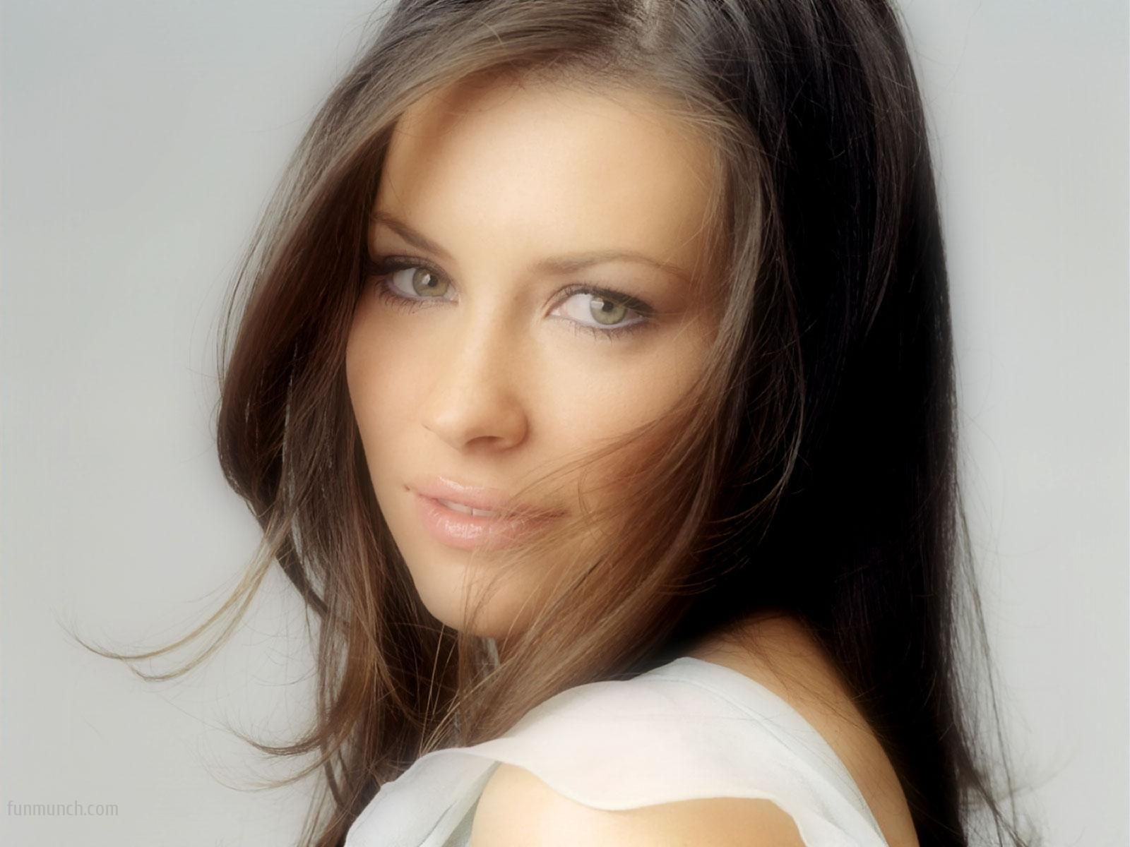 Evangeline Lilly Tauriel Wallpaper