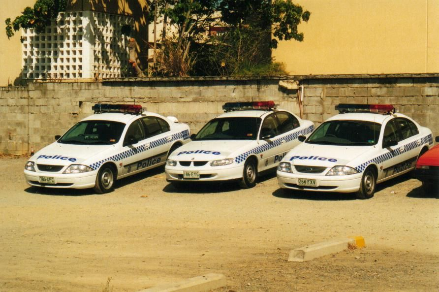 Australian Police Cars Gallery Queensland Police Image Qld 2au2 1vt Police Cars Police Emergency Service