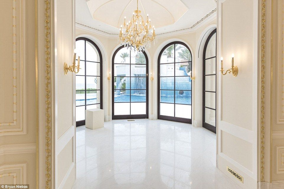 Florida Estate Inspired By The Palace Of Versailles Costs 159 Million Expensive Houses Luxurious Bedrooms Mansion Interior