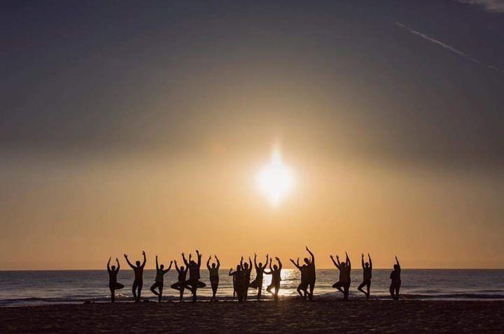 Wir wünschen euch einen guten Start in den Tag wo immer ihr auch seid!  #sunsationbeach #campmovement #spain #aretheyalldoingthesameposition