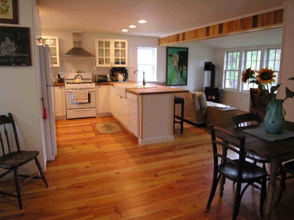 Lake Algonquin Wells farmhouse rental Open Floor Plan