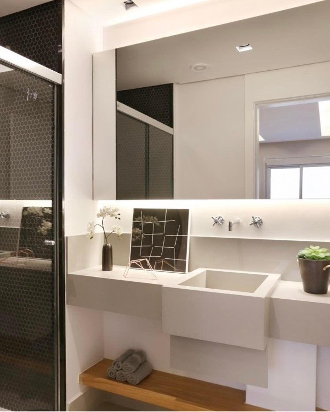 """197 curtidas, 6 comentários - Apto. 143 (@apto.143) no Instagram: """"E esse banheiro... Não é lindo? Pastilhas em formato hexagonal... Uma super tendência! 👆🏼#Apto143…"""""""