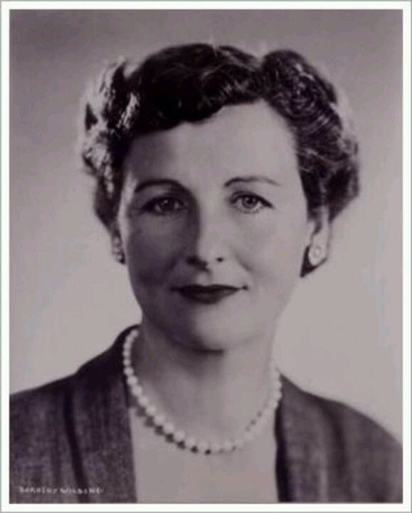 Nancy Mitford A Bright Young Thing Mitford Penned