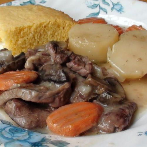 Smothered Steak with Carrots and Potatoes - My Honeys Place