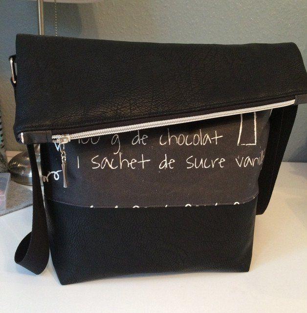 Umhängetaschen FoldOver Tasche, Kunstleder schwarz ein
