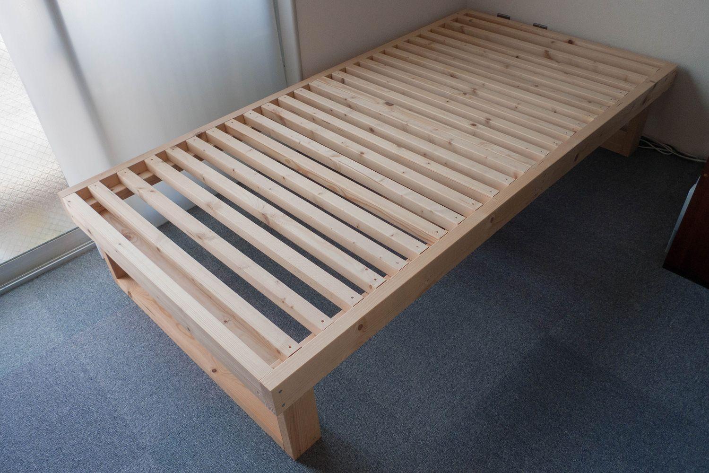 how_to_diy_2x4_bed_frames_top ベッドフレーム、ベッド の 作り方、ベッド
