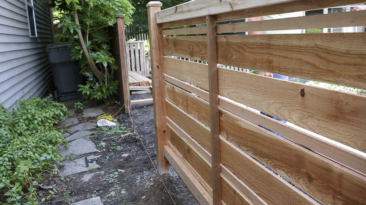 How To Build A Diy Horizontal Fence Horizontal Fence Fence Design Fence