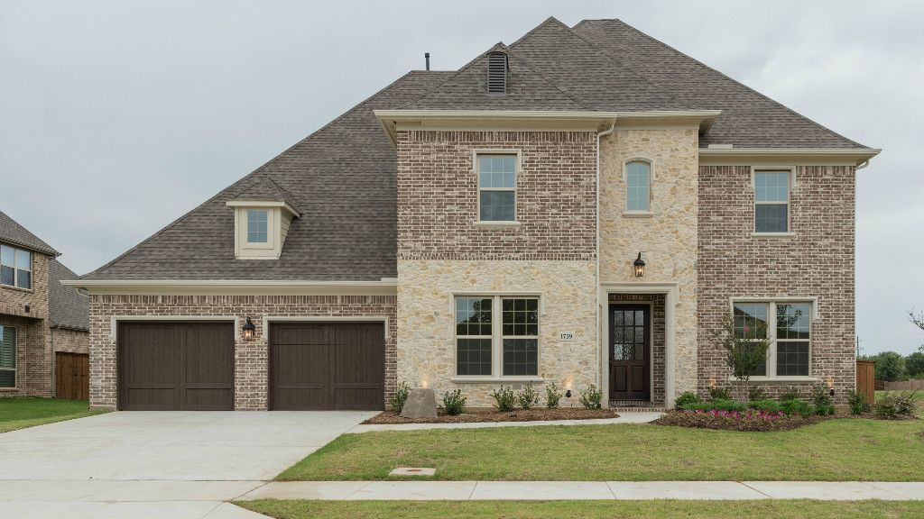 Shop new homes in Flower Mound, TX. Choose from 5,004 home