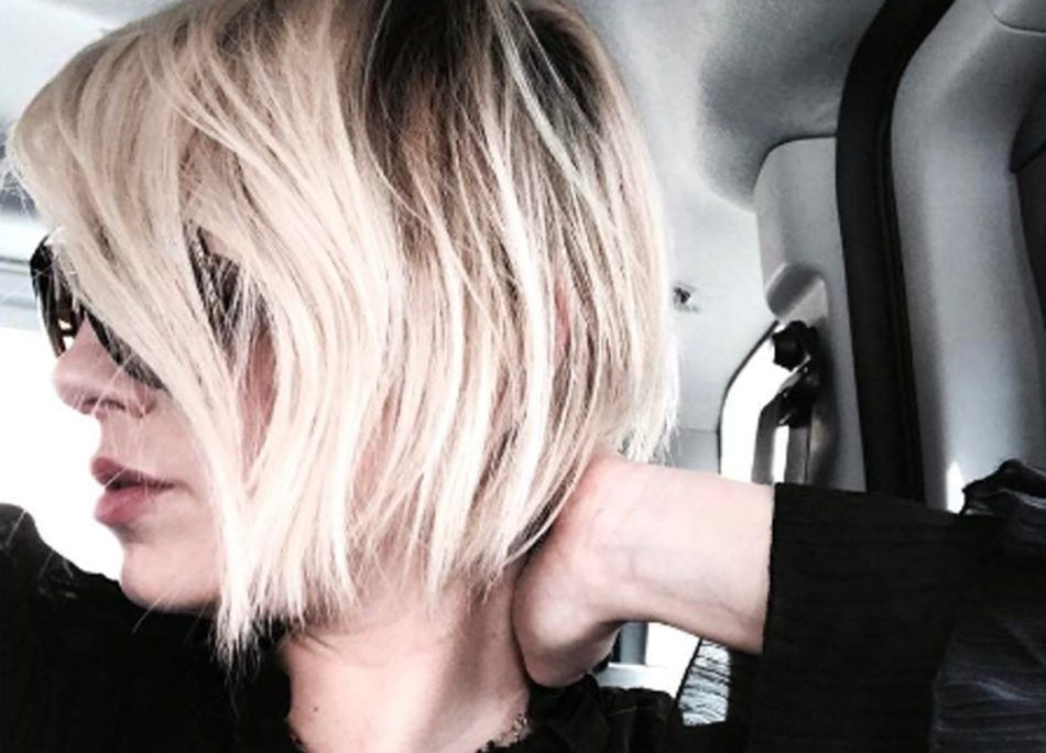 Nuovo taglio di capelli emma marrone
