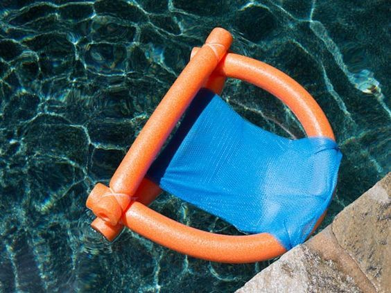 Easy diy pool noodle chair float made with materials from the dollar store craft ideas diy for Swimming pool noodle fun chair