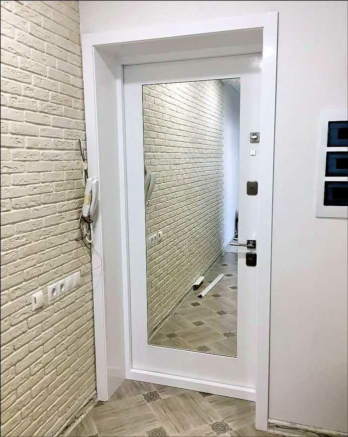 Входная дверь с зеркалом. Вместо стандартного …   Входные ...