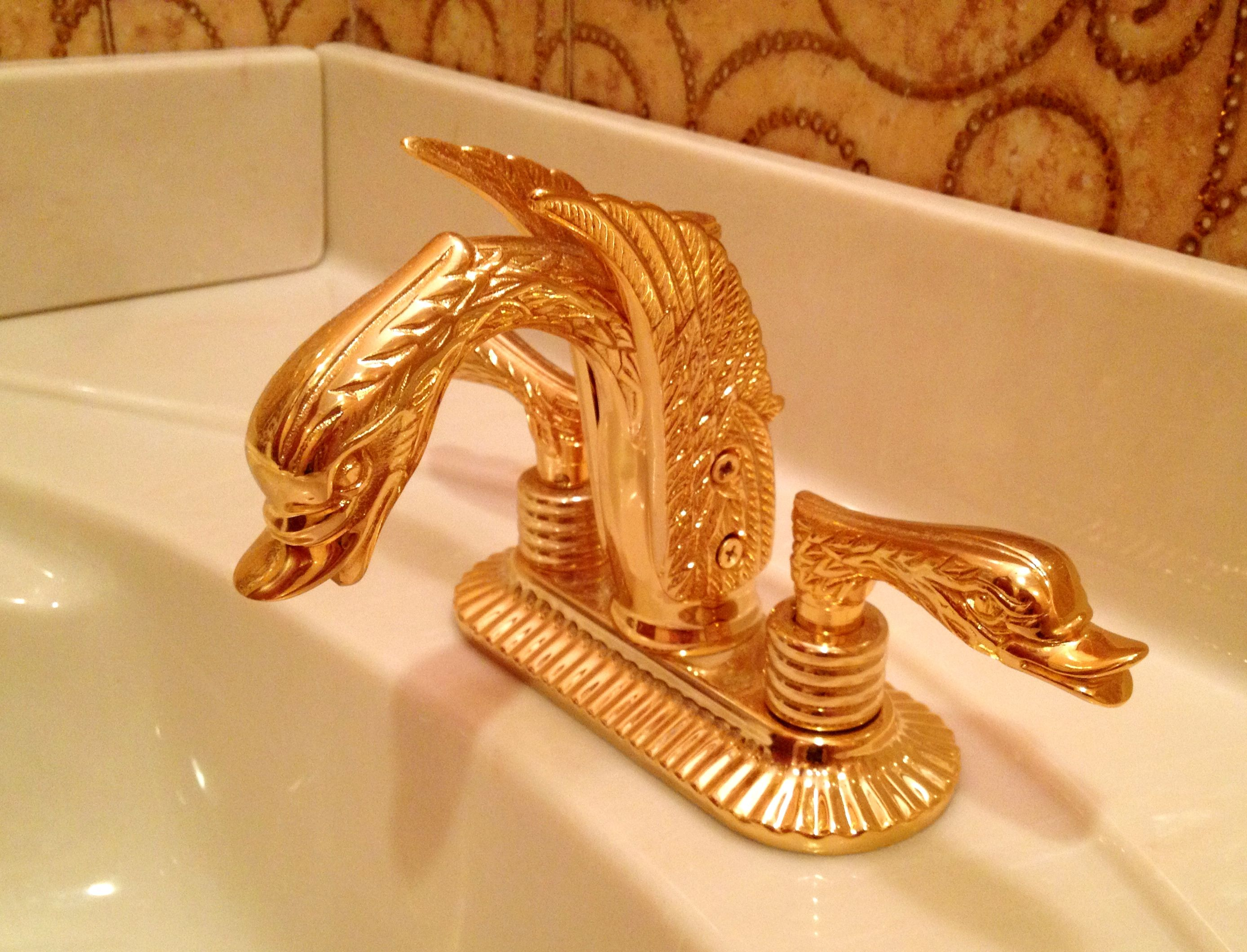 Bathroom sink faucet - Miami Real Estate for Sale - Julia Romantsova ...