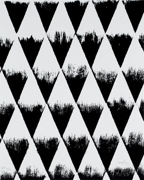 Textura abstracta, artificial, creada por una degradación de color, en diferentes módulos (triángulos), con una composición geométrica siguiendo un patrón.