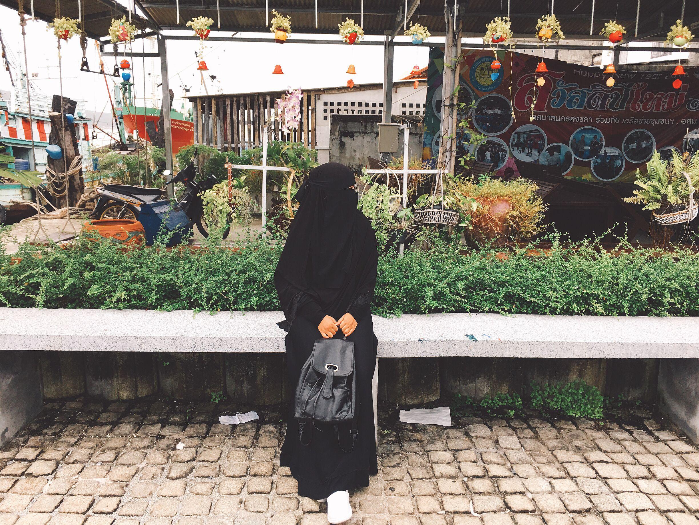 Pin oleh Nada Ratanapan di Niqabi di 2019 Model pakaian