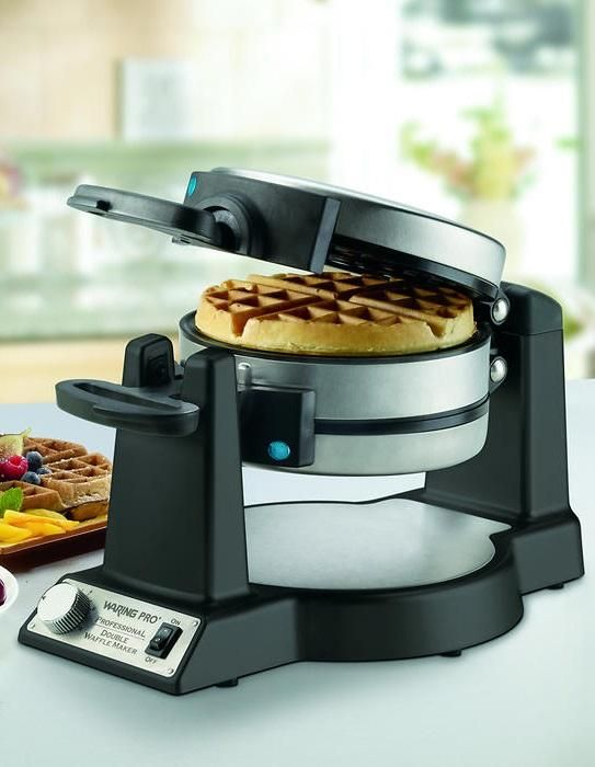 The Waring Pro Belgian Waffle Maker Cooks Two Thick Delicious Belgian Waffles That Are Crispy On The Outside And Light And Fluffy Yemek Mutfak Aletleri Mutfak
