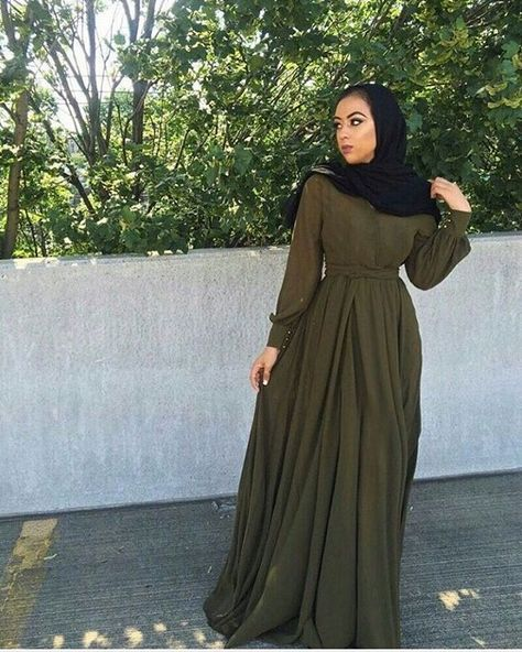 I've been so obsessed with long sleeved maxis lately