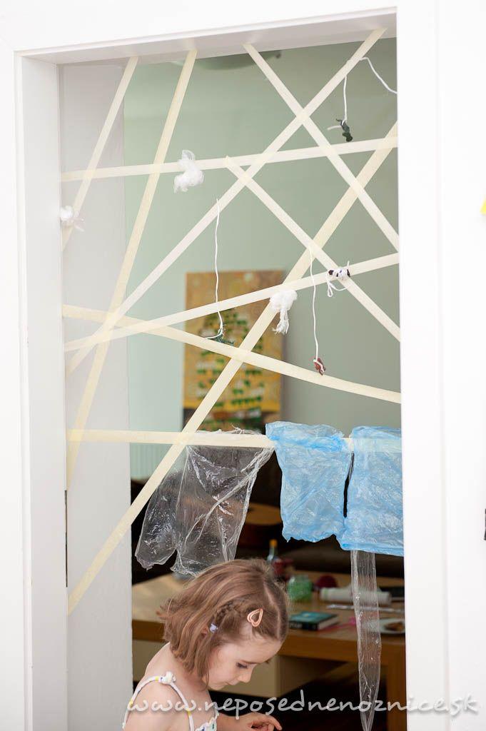 Nasledujúce fotografie sú už len spomienkou na naše tohtoročné leto. Aj keď je už leto preč, pavučina z maliarskej lepiacej pásky sa dá...